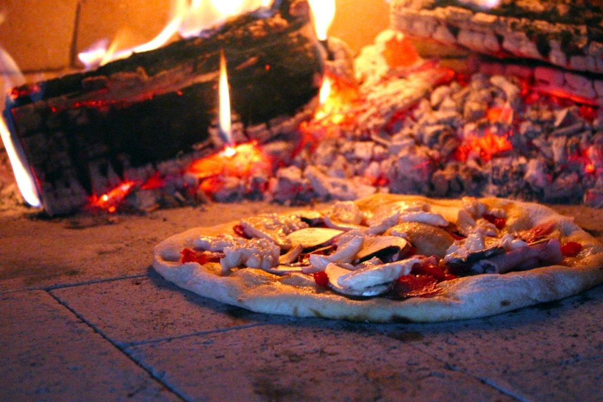 Pizza aus der Ruine 39.jpg